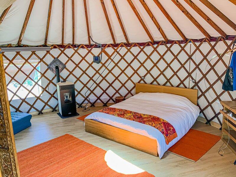 Yurta Glamping, Granja ecológica, Desayuno Incluido, Diez minutos de la Playa, location de vacances à Barranco del Pinar