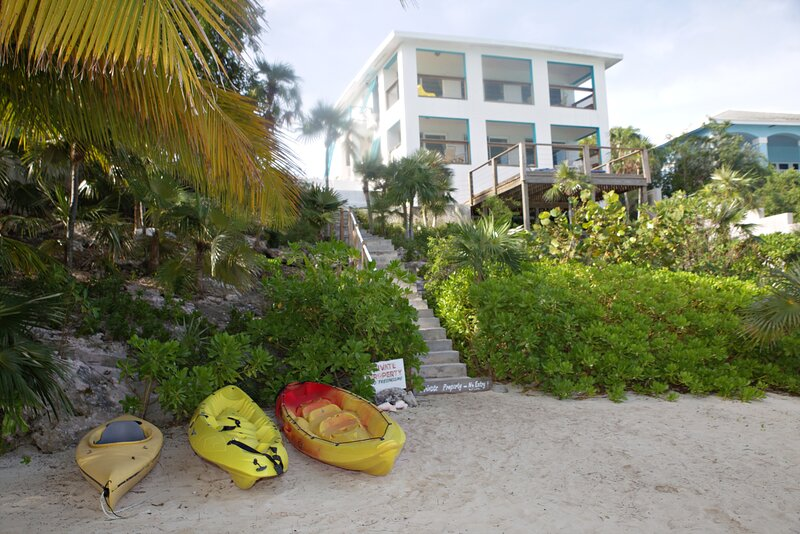 Exuma Driftwood Hoopers Bay Second Floor Condo, location de vacances à Georgetown