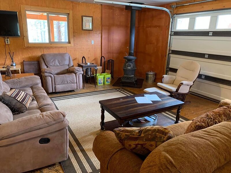 The Sprouted Grain Rustic Mountain Cabin, vacation rental in Ruidoso Downs
