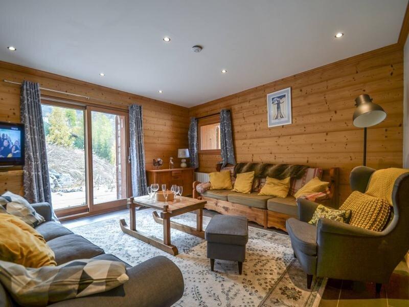 Appartement 8/10 personnes avec sauna proche des Ménuires, vacation rental in Le Bettaix