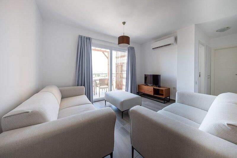 Stylish Two Bedroom Penthouse with Hot Tub, alquiler vacacional en Yeni Erenkoy