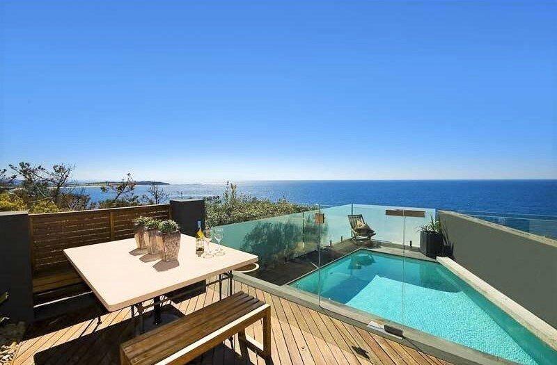 Oceanfront Beachpad - North Curl Curl, NSW, alquiler vacacional en Collaroy Beach