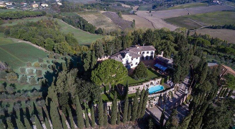 SUPER LUXURY RESTORED MEDIEVAL CASTLE NEAR FLORENCE, Ferienwohnung in Castelfiorentino