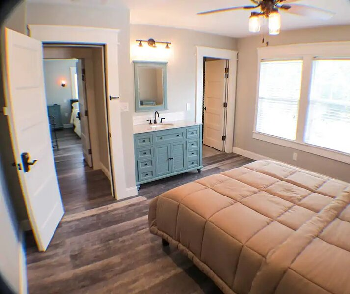 Beautiful family home. close to the beach., holiday rental in Tarpon Springs