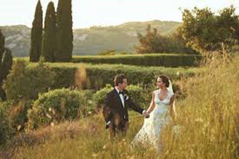 THE DREAM FAIRY TALE TUSCAN WEDDING-VIA PETROLO, vacation rental in Nusenna