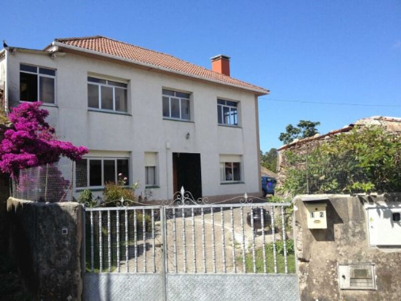 Casa O Vilar en Leiloio, location de vacances à Bertoa