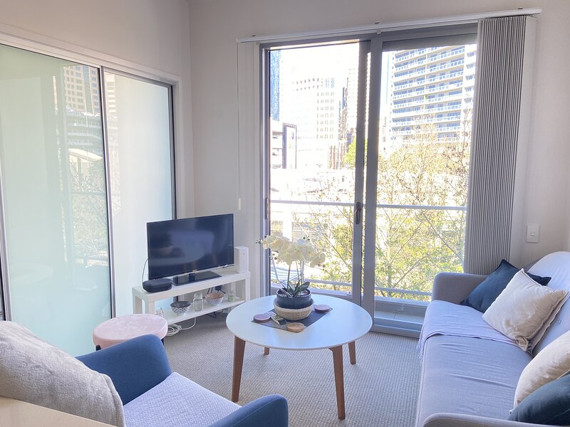 Large weekly and Monthly discount - Luxury one bed in the heart of the CBD *FREE, aluguéis de temporada em Avondale