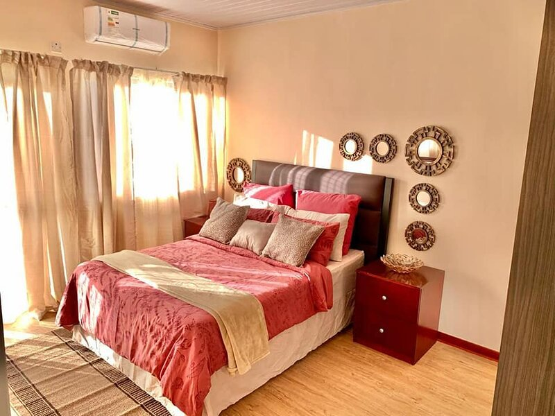 Kabulonga 3bedroom Fully furnished apartments – semesterbostad i Lusaka