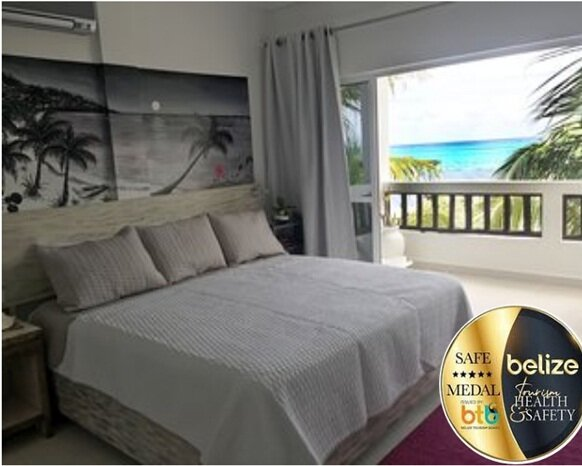 Tranquil & Beautiful overlooking the Barrier Reef (1B), holiday rental in Ambergris Caye
