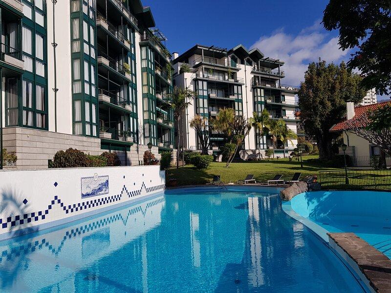 Reids Gardens Luxury Family Flat in Funchal, aluguéis de temporada em São Martinho