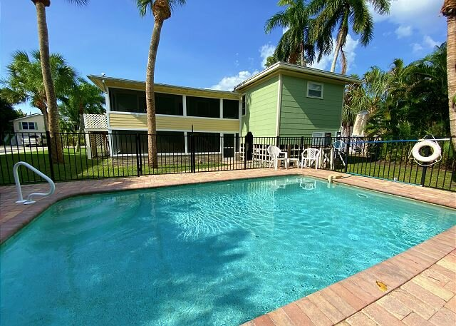 126 Gulf Island Dr - Pet Friendly Pool Home, vacation rental in Fort Myers Beach