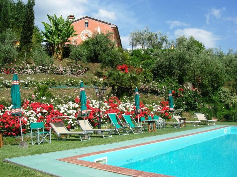 REFURBISHED HISTORIC VILLA IN SEGROMIGNO-LUCCA, holiday rental in Valgiano