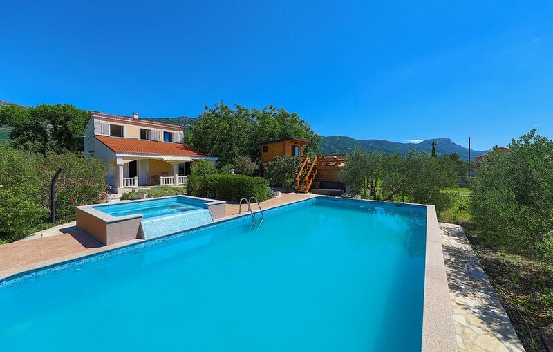 Holiday Home Parada, holiday rental in Rudine