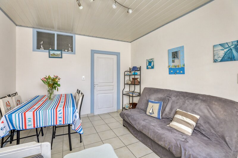 Beautiful house near the beach, holiday rental in L'Epine
