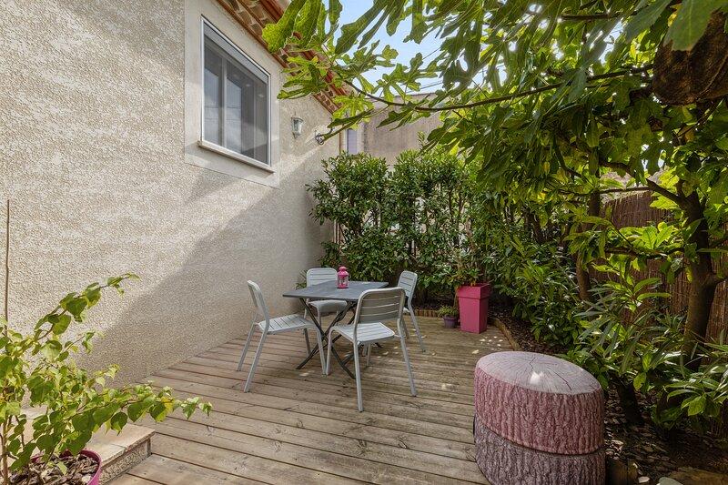 Nice house with garden & terrace, alquiler vacacional en Cournonsec