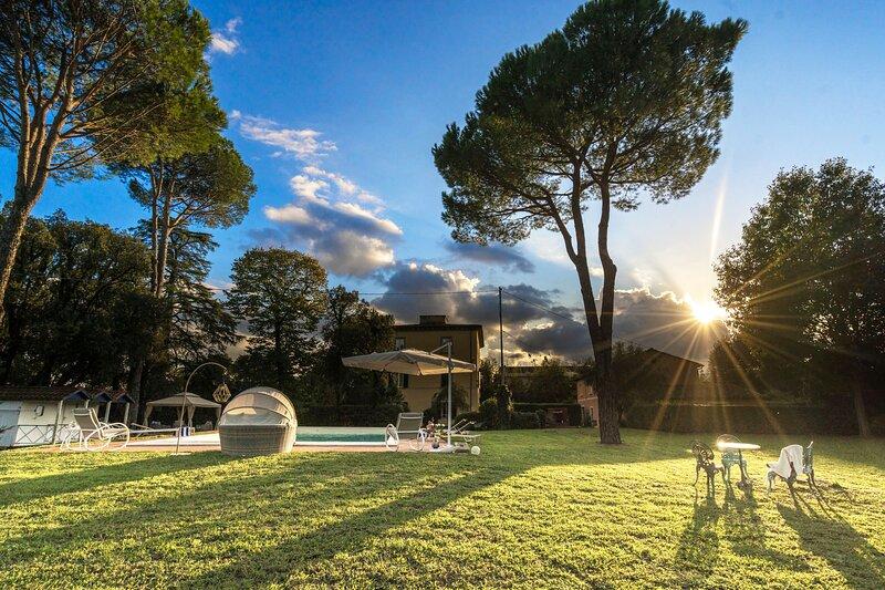 Villa privata per 10 persone con piscina e aria condizionata, vacation rental in Altopascio