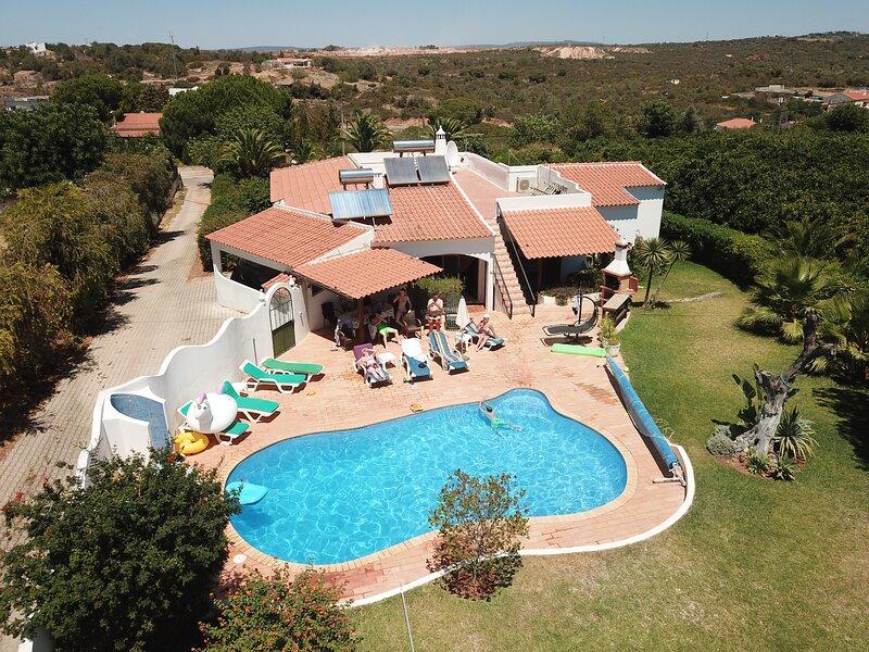 Family Getaway in the Algarve – semesterbostad i Branqueira