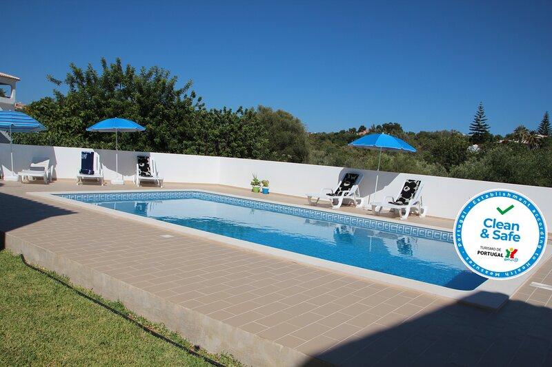 Villa Olive, holiday rental in Alfarrobeira