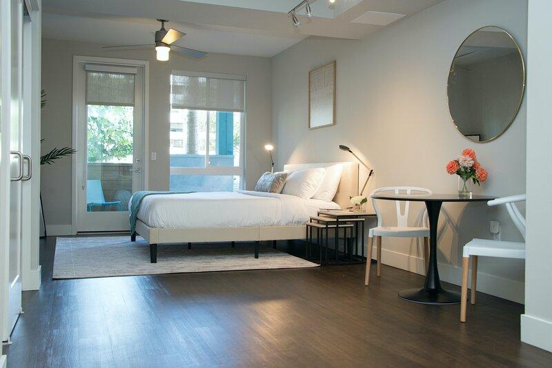 Kasa | Orange County | Beautiful Studio Apartment, vacation rental in Orange