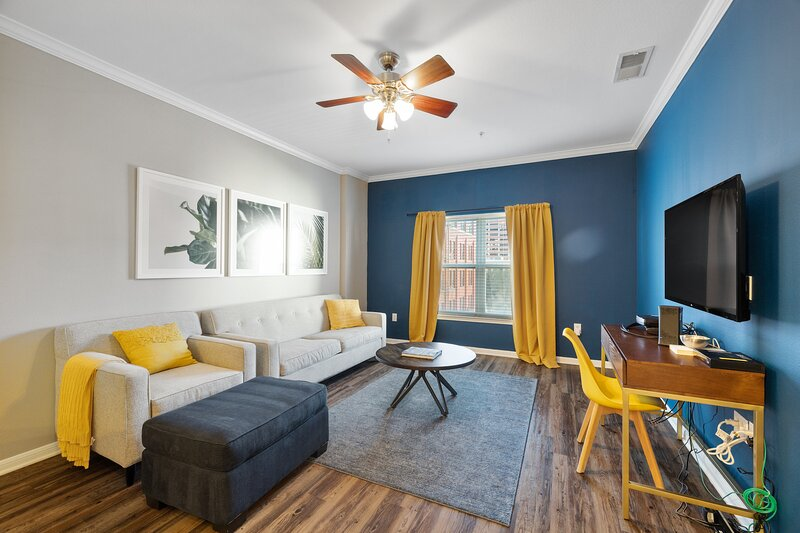 Kasa   Dallas   Urban 1BD/1BA West End Apartment, holiday rental in Cockrell Hill