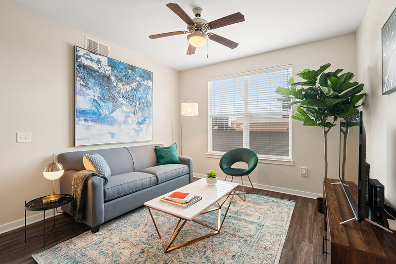 Kasa | Dallas | Exquisite 2BD/2BA Apartment Near SMU, holiday rental in University Park
