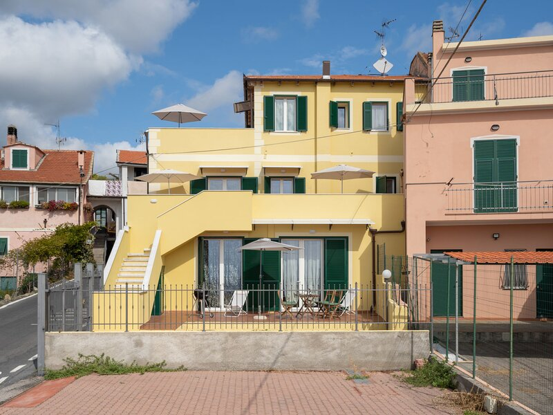 Timo, holiday rental in Pairola