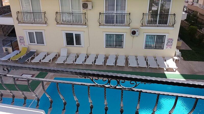 Rent, 2 bedroom apt in peaceful area, Didim, TURKEY, holiday rental in Altinkum