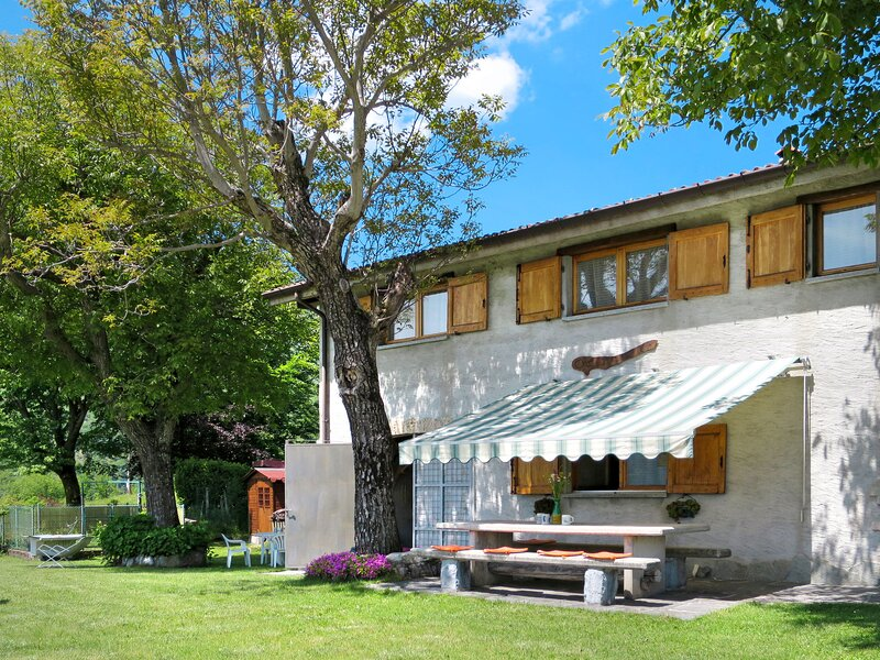Merlo (PLZ510), vacation rental in Carlazzo