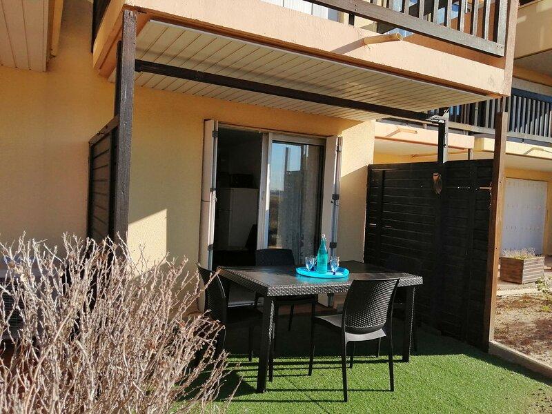 Studio + bunkbed apartment / Ile des Pêcheurs, holiday rental in Cap-d'Agde