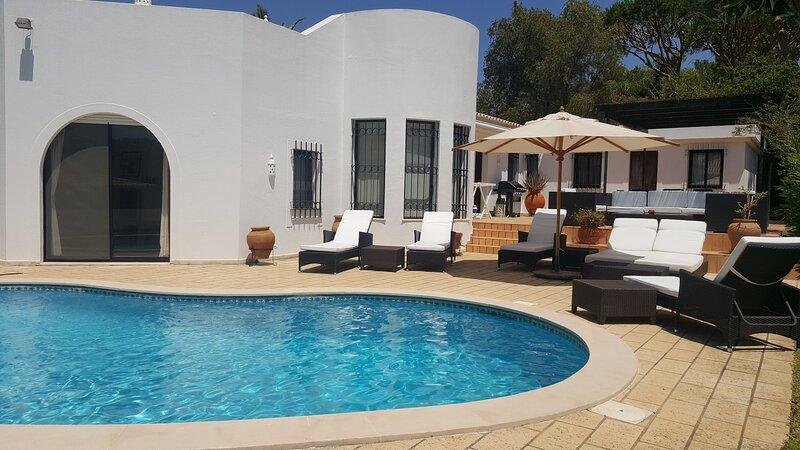 Dunas Douradas Beach Villa, alquiler de vacaciones en Almancil