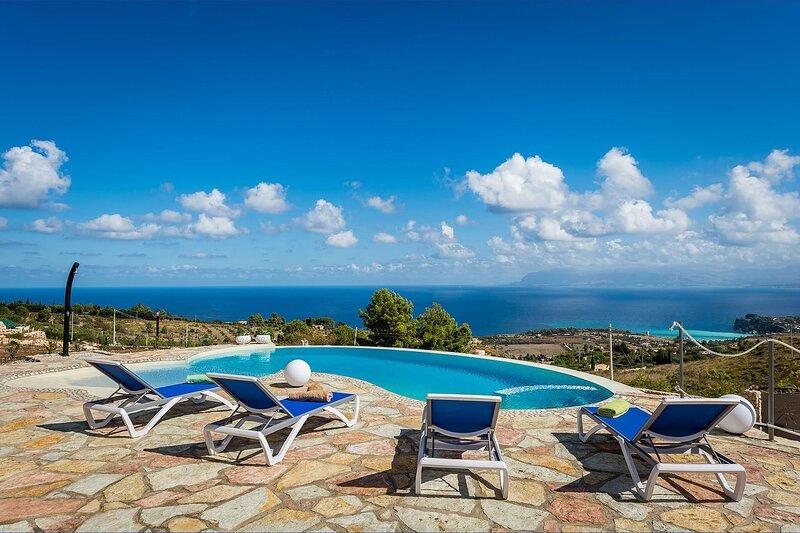 Villa Universe, holiday rental in Villaggio Sporting