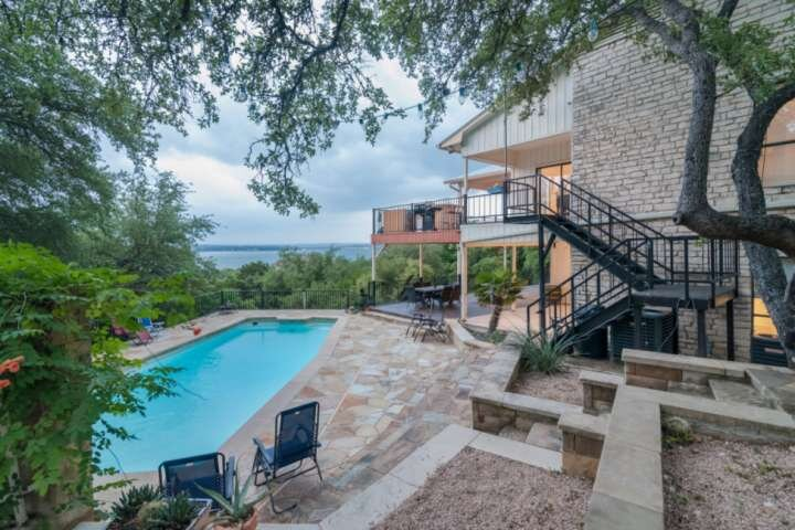 New - Family Fun Vacation Home w/ Amazing View, Pool, Hot Tub, Basketball Court, location de vacances à Volente