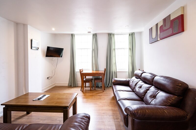 Beautiful 3-Bed Apartment in Sheffield, vacation rental in Sheffield
