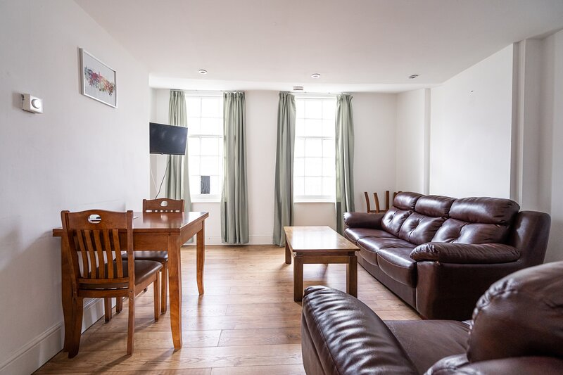 Inviting 3-Bed 2-Bathroom Apartment in Sheffield, vacation rental in Sheffield