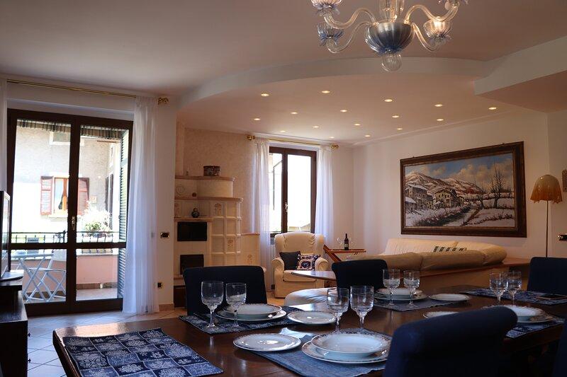 Milvia's Apartment Lezzeno, vacation rental in Lezzeno