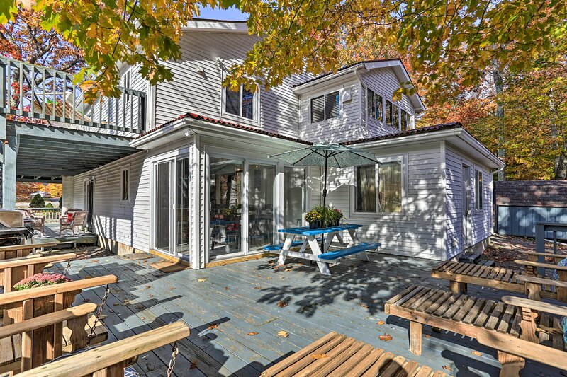 Spacious Deck | Gas Grill | Outdoor Seating