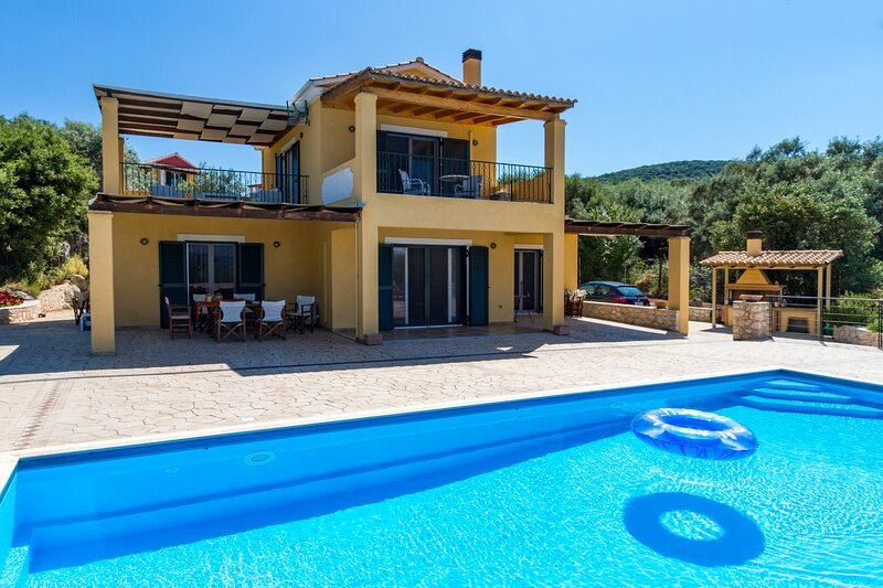 Villa Kallisti, location de vacances à Astakos