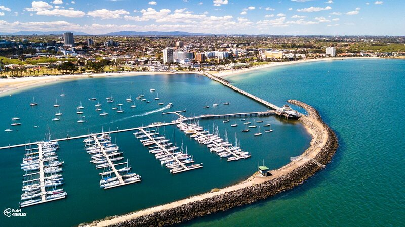 Near Attractions, Four Modern Units, Pool, Free Parking, vacation rental in West Melbourne