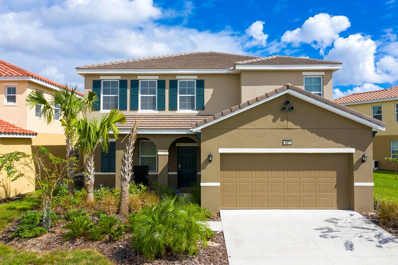 Gorgeous 5 Bd w/ Pool & Jacuzzi > Close to Disney 6071, holiday rental in Davenport