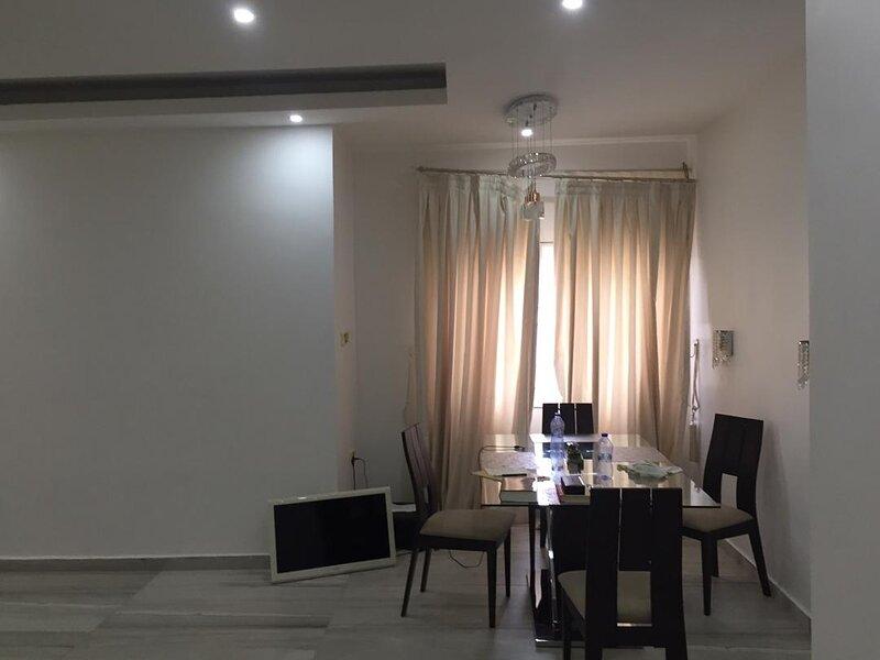 Furnished 3 bedroom house, holiday rental in Kwabenya