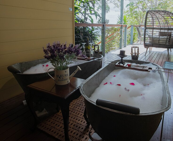 BOUTIQUE couples retreat, sauna, heated spa pool and mountain views, alquiler de vacaciones en Imbil