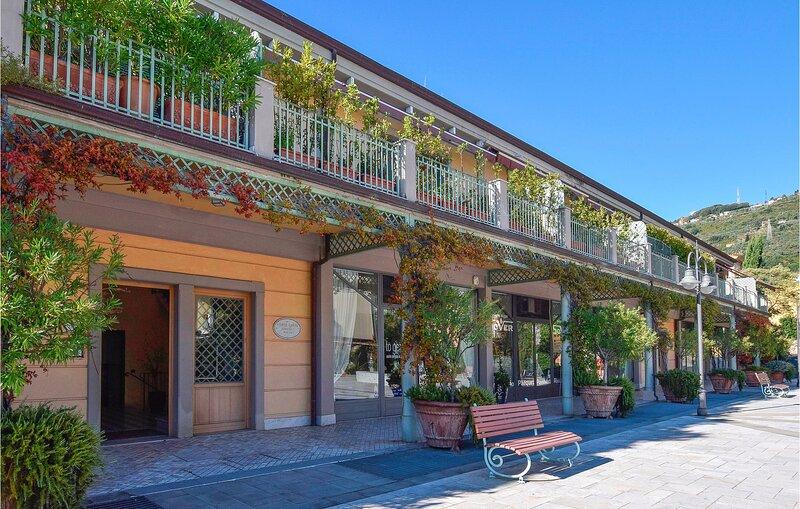 Amazing apartment in Pietrasanta with 2 Bedrooms (ITV995), holiday rental in Pietrasanta