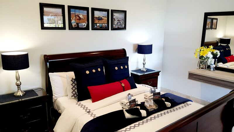 Amelia's by the Sea  Captain's Suite Luxury 4 star studio(Garden Route), holiday rental in Great Brak River