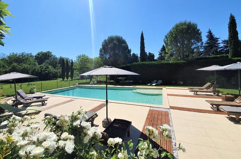 Côté Provence · Gîte de Charme 4**** proche l'Isle sur la Sorgue . Les Alpilles, holiday rental in Saint Saturnin les Avignon