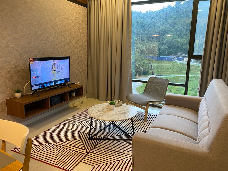 The Ridge KL East Service Residence - 2 Bedroom Condo, holiday rental in Genting Highlands