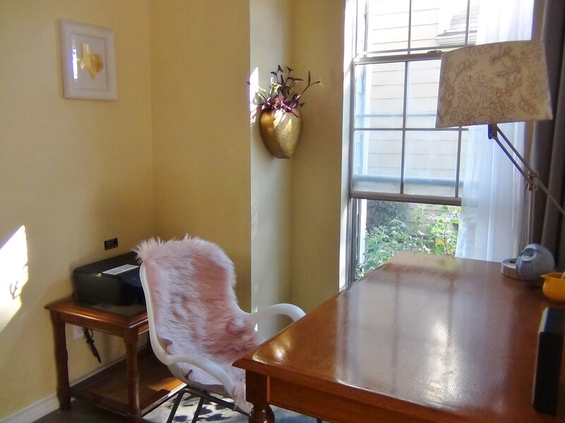 Urbenity - dog friendly vacation rental in centre of Dallas-Fort Worth metroplex, casa vacanza a Irving