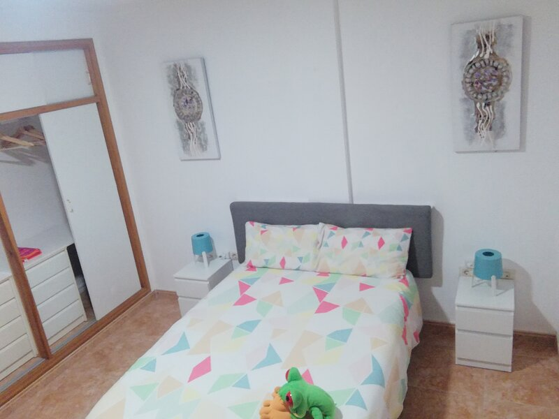 THREE BEDROOM APARTAMENT NEAR SANTA CRUZ, holiday rental in Llano del Moro