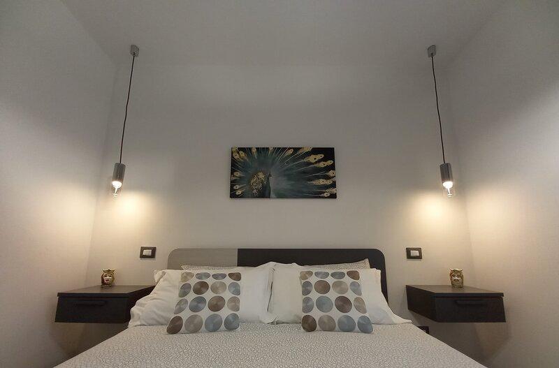 MiBu House: casa luminosa, pulita e confortevole nel ❤ di Palazzolo Acreide, SR, holiday rental in Giarratana