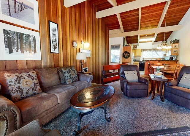 Lovely Mountain condo. Prime location. Family favorite., holiday rental in Mammoth Lakes