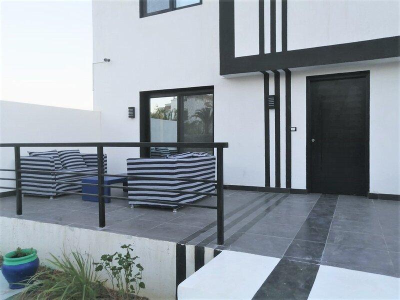 Sharm-El-Sheikh Spacious & Modern Duplex Villa, location de vacances à Sharm El Sheikh